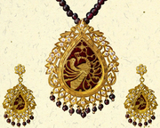 Sanskriti Objects d'art Handcrafted 23ct gold Necklace and Earings Jewelry